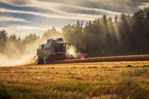 claas, lexion, combine harvester-2147239.jpg