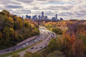 highway, traffic, buildings-1031149.jpg
