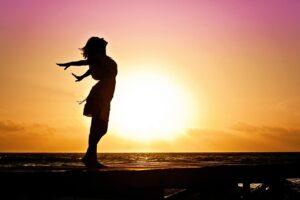 woman, silhouette, sunset-570883.jpg